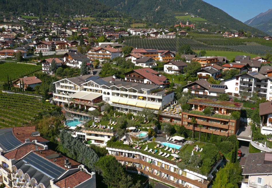 Hotel erika dorf tirol maurer v llan lana s dtirol for Design hotel dorf tirol
