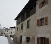 Schlosserhaus, Tisens 1